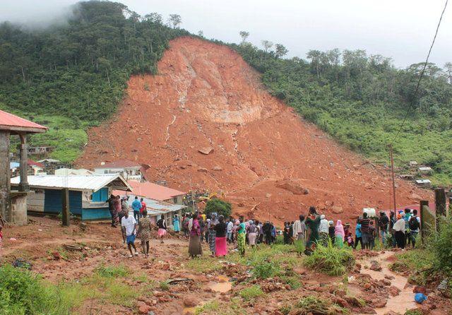 Tragédia em Serra Leoa tem 400 mortos e 600 desaparecidos