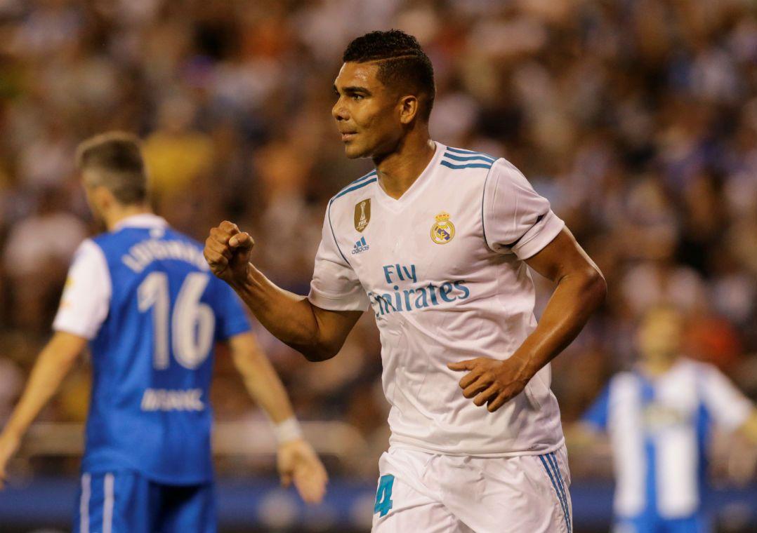 Casemiro marca, Real Madrid domina e bate o La Coruña