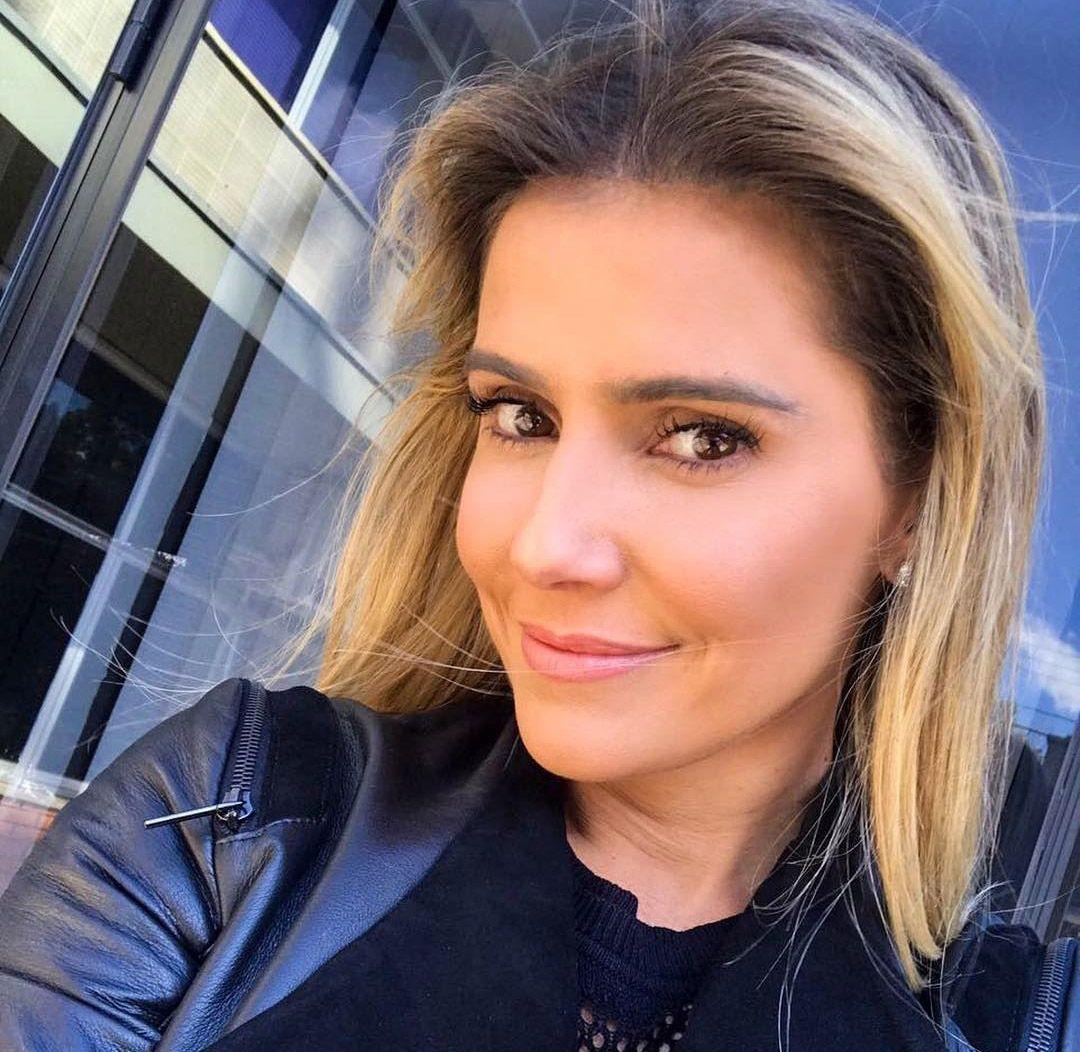 Deborah Secco responde a comentários homofóbicos