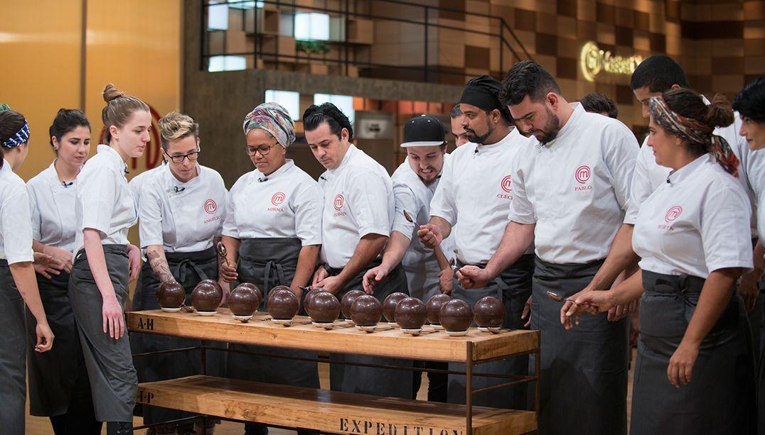 16 novos cozinheiros profissionais entram na cozinha do MasterChef Brasil / Carlos Reinis/Band