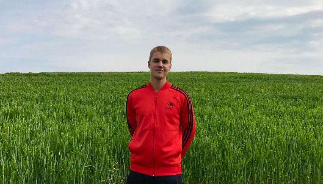 Afastado dos palcos, Justin Bieber lança linha de roupas