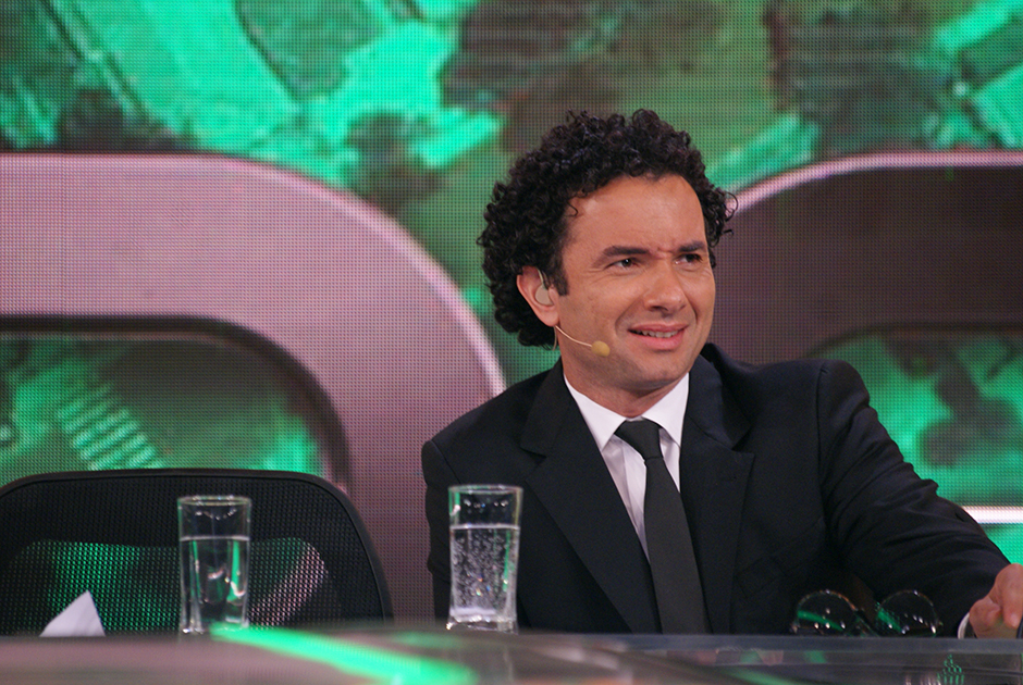 Luciano Camargo participa da bancada do CQC