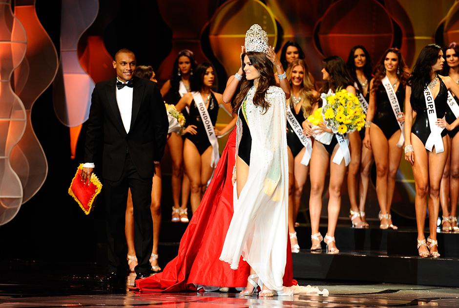 Melissa Gurgel, representante do Ceará, é coroada a nova Miss Brasil