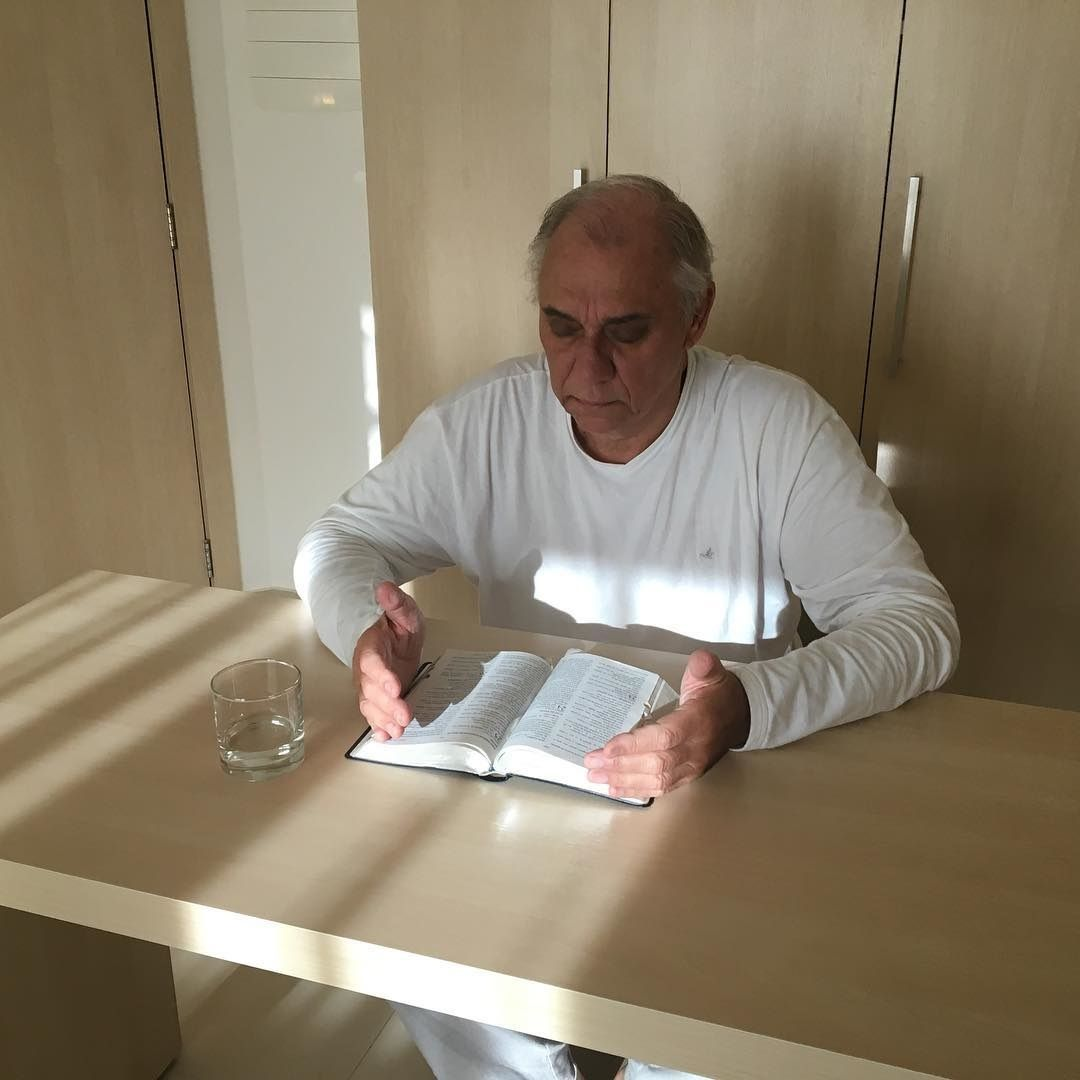 Milton Neves pede para Marcelo Rezende voltar para o hospital