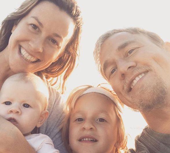 Alanis Morissette fala sobre sua depressão pós-parto
