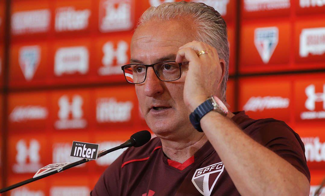 Pinotti afirmou estar 'muito satisfeito' com trabalho de Dorival / Ricardo Moreira/FotoArena/Estadão Conteúdo