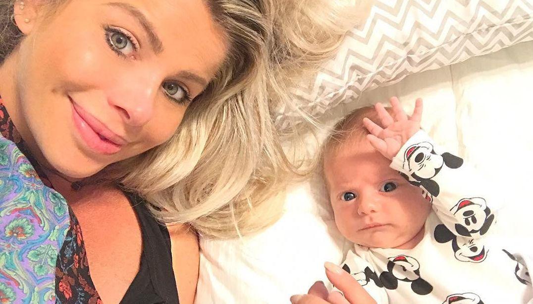 Karina Bacchi postou foto com o filho após o furacão / Divulgação/Instagram
