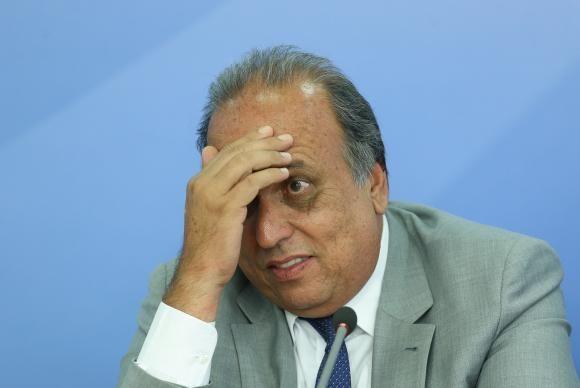 Ex-executivos da empreiteira disseram que Pezão recebeu pagamentos não declarados  / (Foto: Agência Brasil)