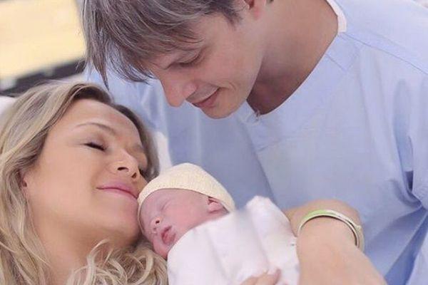 Eliana divulga foto da filha Manuela