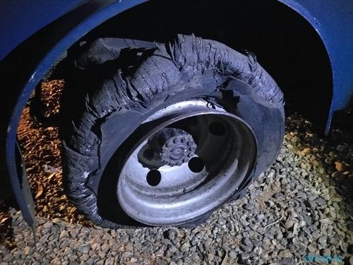 Assaltantes atiraram contra o pneu do carro forte / PM