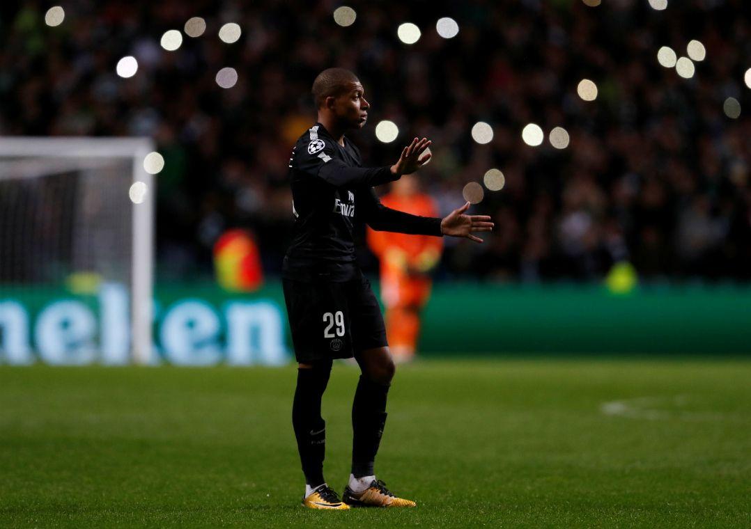 Mbappé quase foi agredido por um torcedor do Celtic / Lee Smith/Reuters