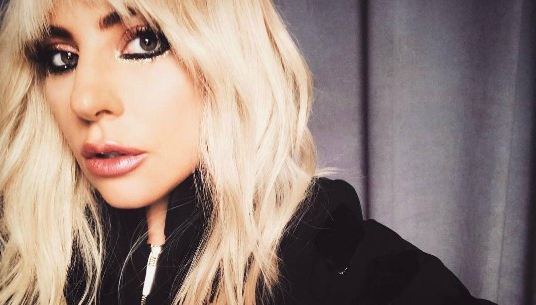 Lady Gaga faz desabafo na internet após cancelar turnê