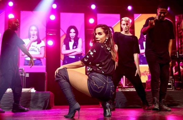 Anitta pretende fazer o próprio festival de música no Brasil em 2018