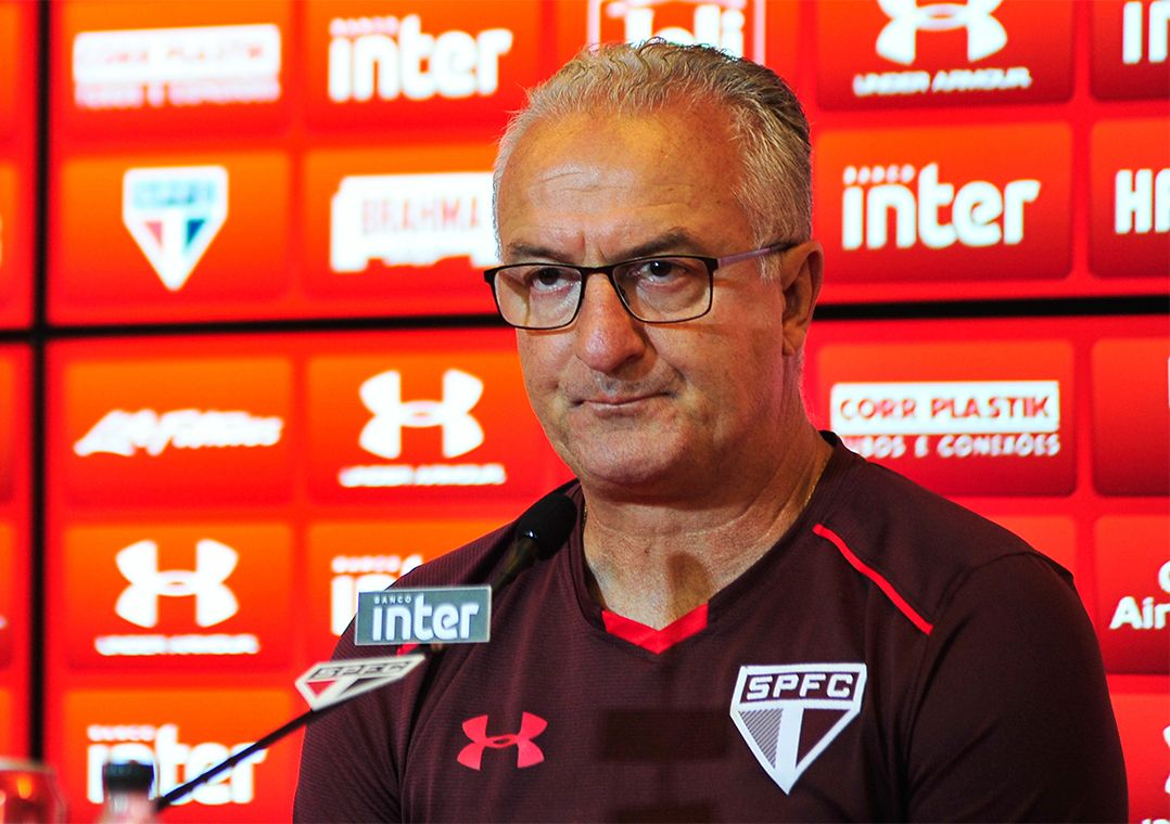 Dorival rebate Arana: 'motivação é vestir a camisa do São Paulo'