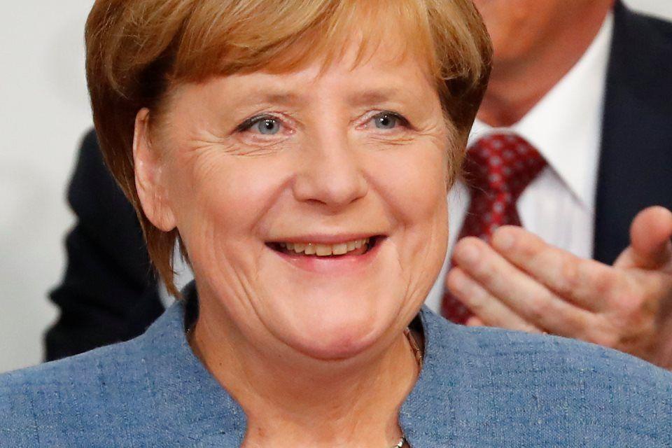 Merkel diz que vai negociar nova coalizão na Alemanha