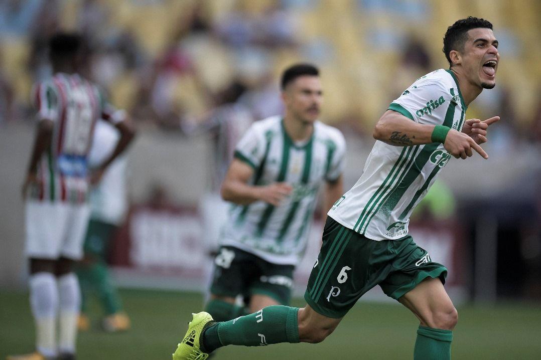 Egídio acertou um lindo chute de fora da área e marcou um golaço (Foto   Jorge Rodrigues Eleven Estadão Conteúdo) c21d3bfa58c97