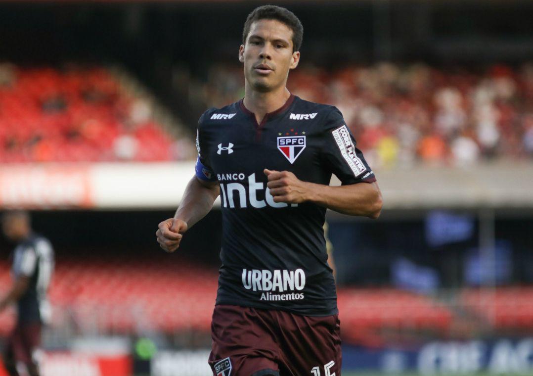 Sem Hernanes, São Paulo recebe o Botafogo no Pacaembu