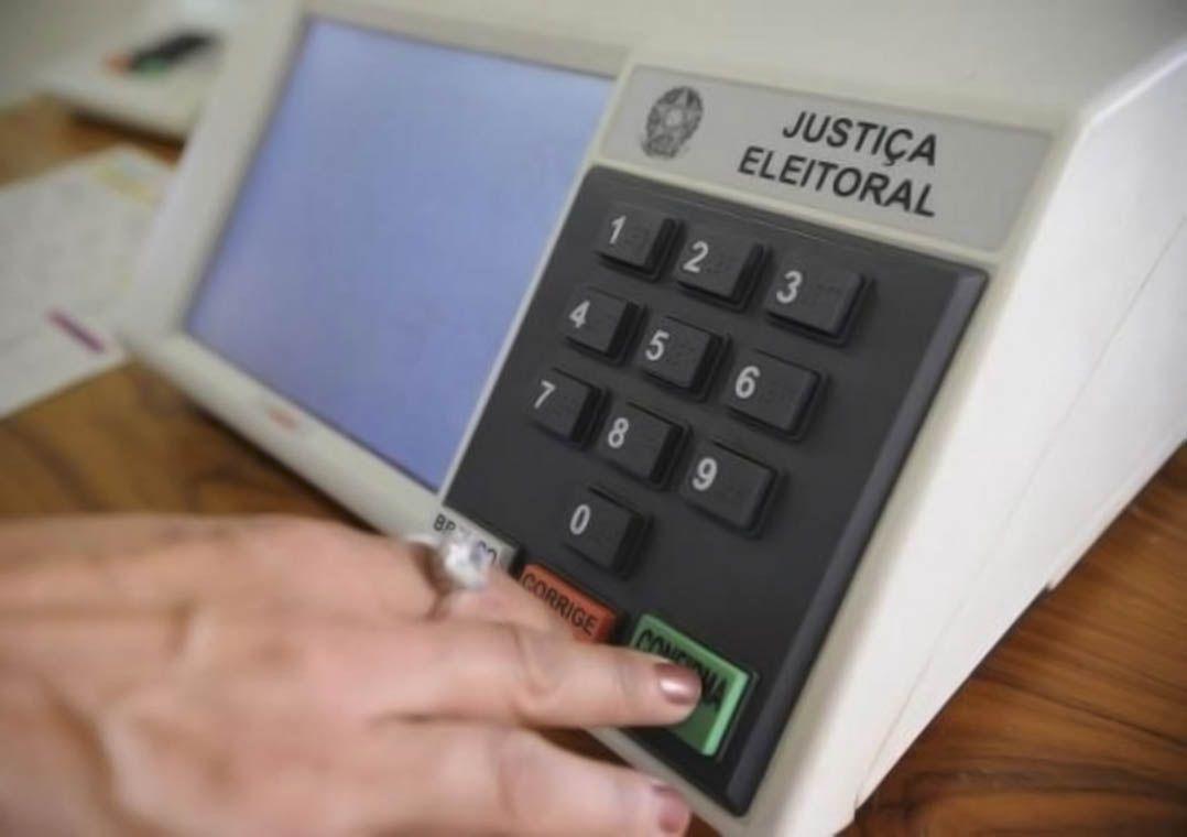 Regras eleitorais deixam dúvidas sobre fake news e autofinanciamento