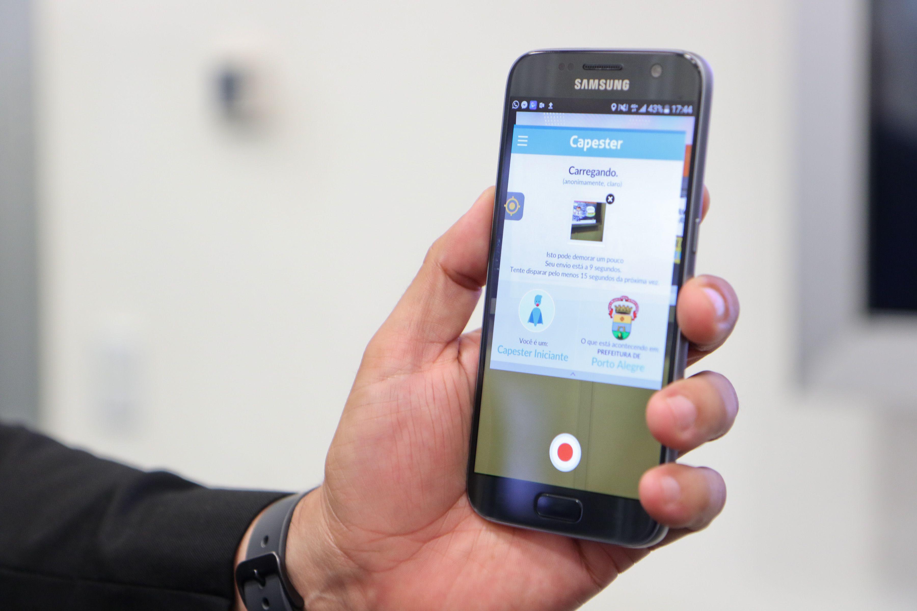 Denúncias feitas pelo aplicativo #EuFaçoPoa também geram alertas para o Sistema de Monitoramento de Tráfego Eletrônico / Joel Vargas/PMPA