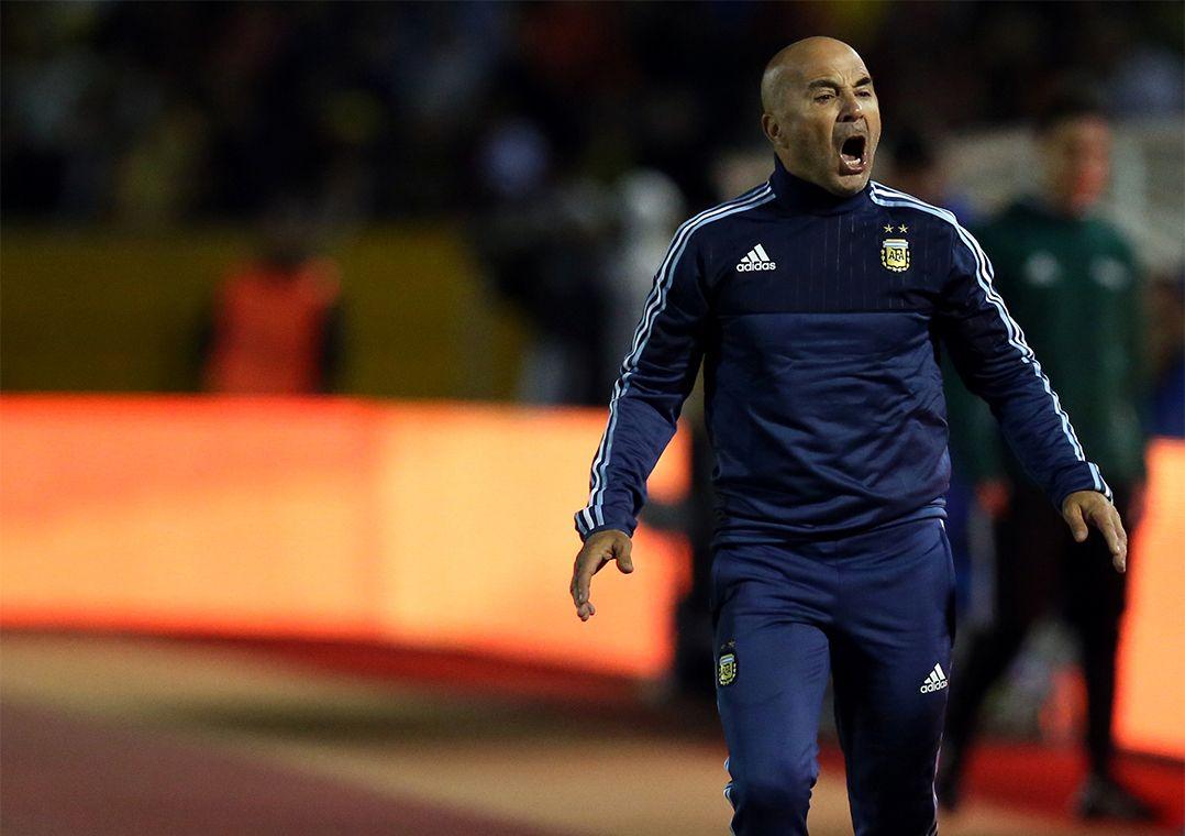 Sampaoli convoca Argentina e deixa Higuaín fora de lista novamente