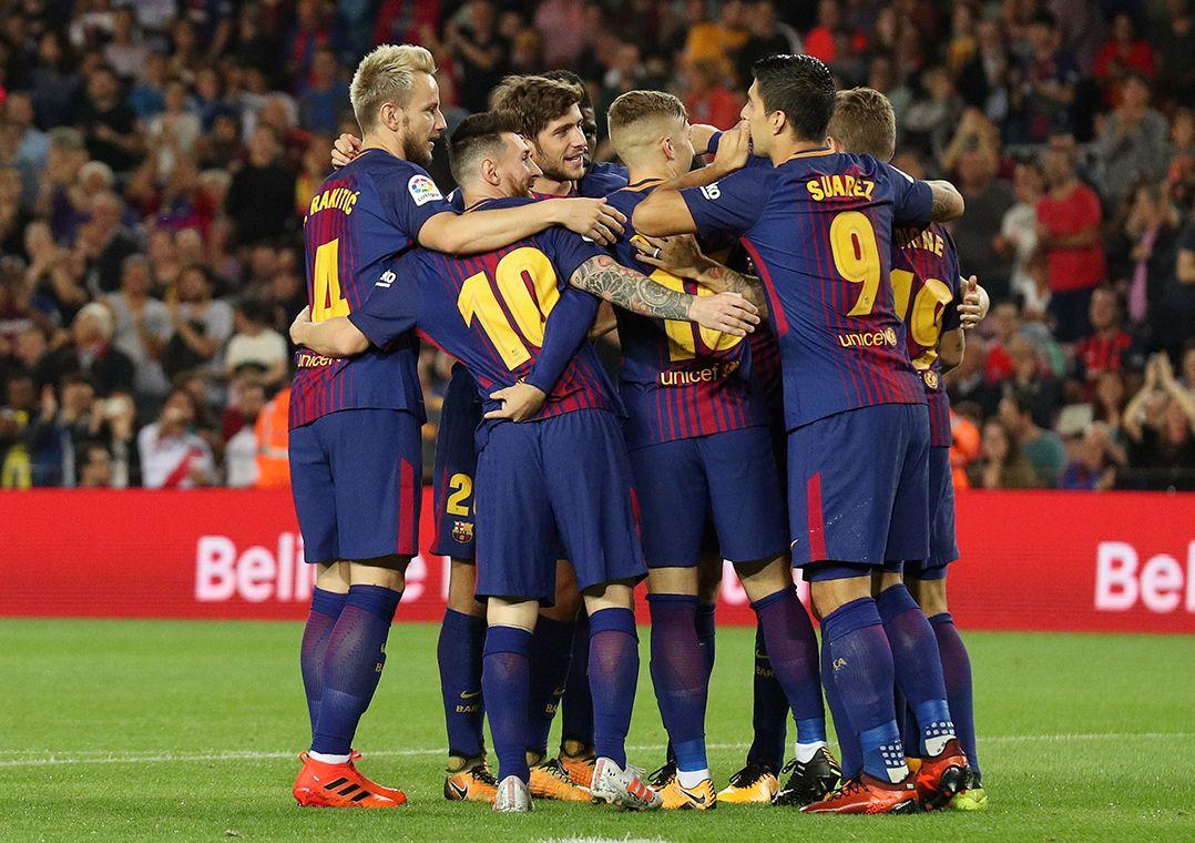 21d611182adb0 Barça tem quatro pontos de folga sobre o vice-líder Valencia (Foto  Albert  Gea Reuters)