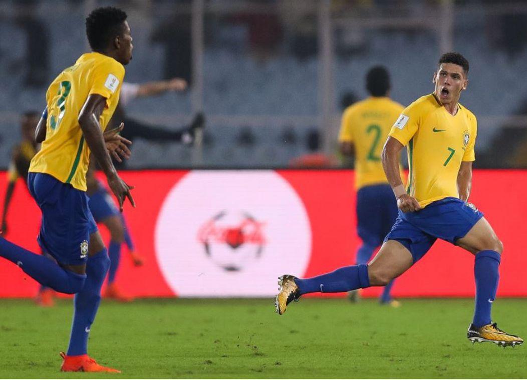 Paulinho ajudou a Seleção a conquistar a vitória sobre a Alemanha (Foto   Buda Mendes Fifa) 5ecb1d52065ad