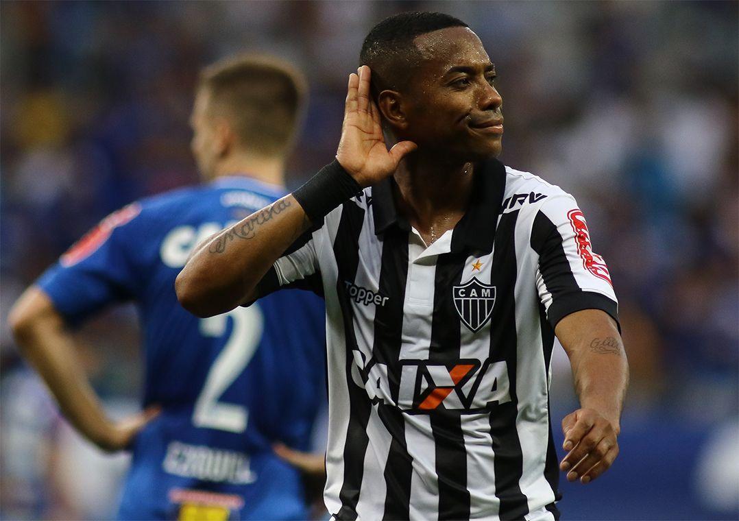 Robinho converteu dois dos três gols do Galo neste domingo (Foto  Pedro  Vale Estadão Conteúdo) 527e08eeba1a0