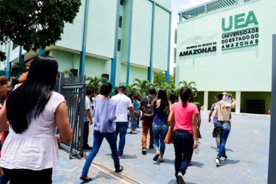 Mais de 45 mil pessoas participam da 1º prova do Vestibular da UEA