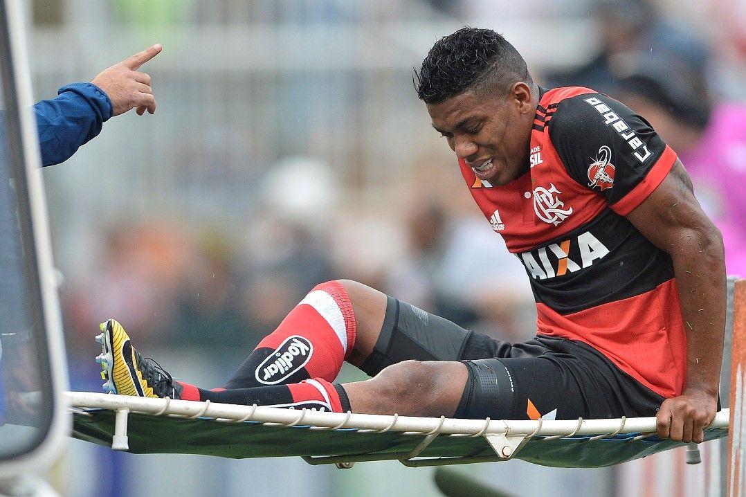 Berrío se machucou na derrota para o São Paulo no domingo / Mauro Horita/Estadão Conteúdo