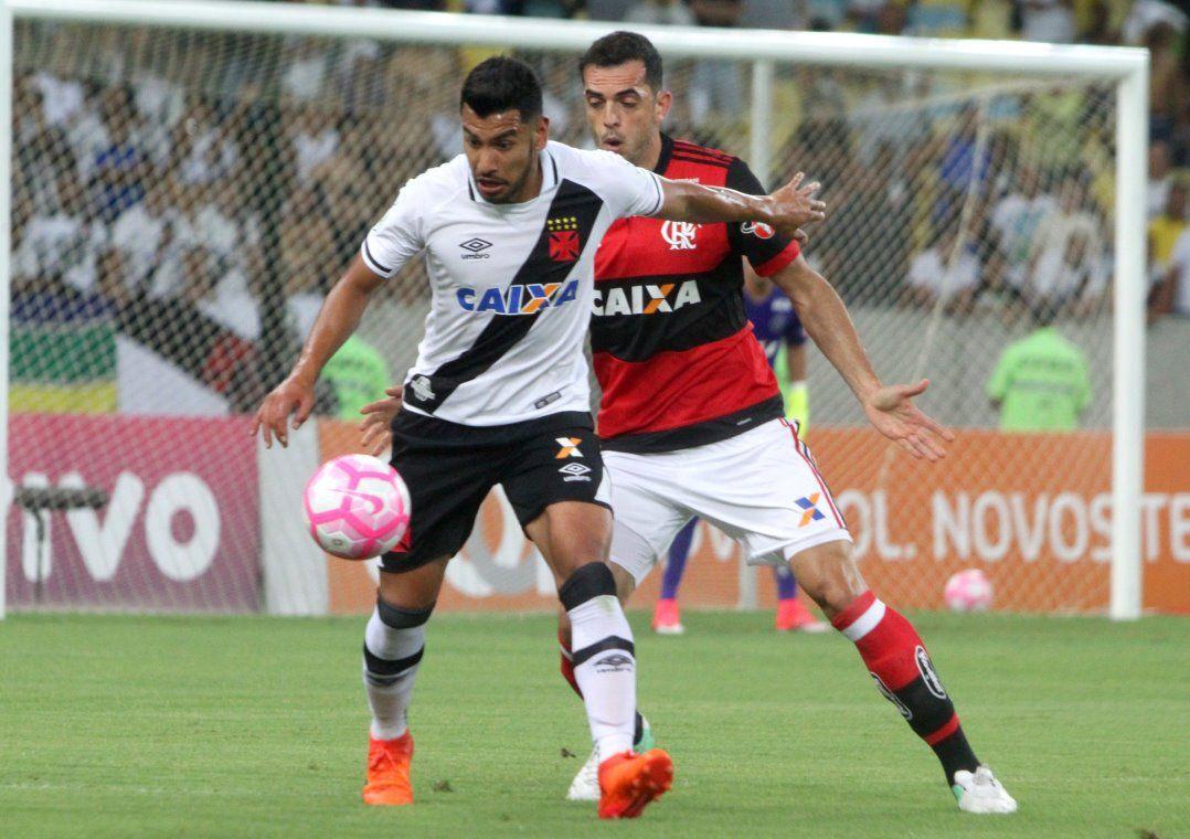 0af2d8d12d Equipes seguem separadas por apenas 3 pontos no Brasileirão (Foto  Paulo  Fernandes Vasco.com.br)