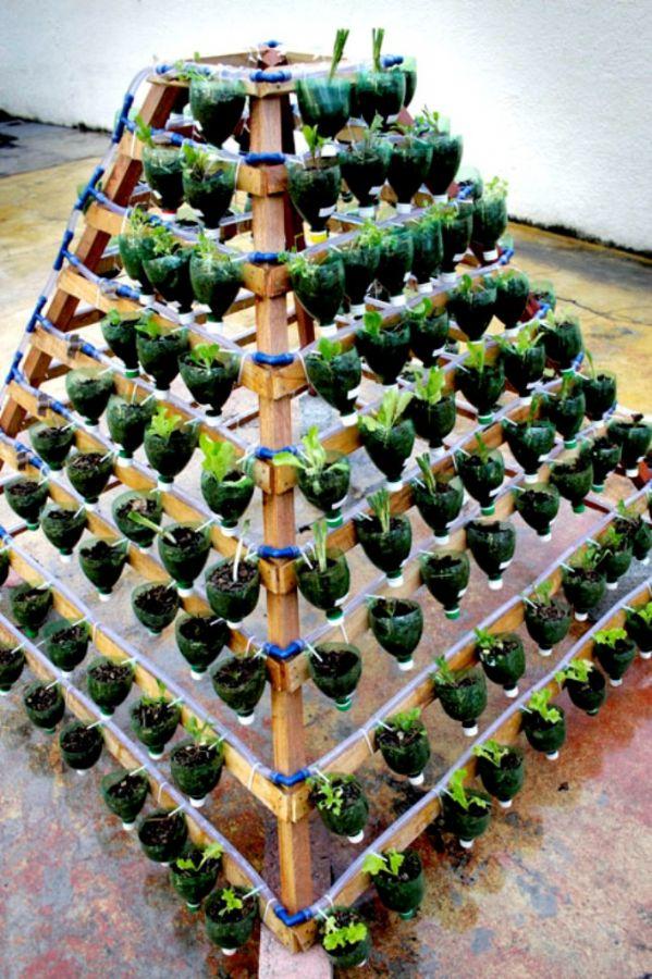 horta e jardim em pneus : horta e jardim em pneus:Horta Piramidal- produza os seus alimentos!