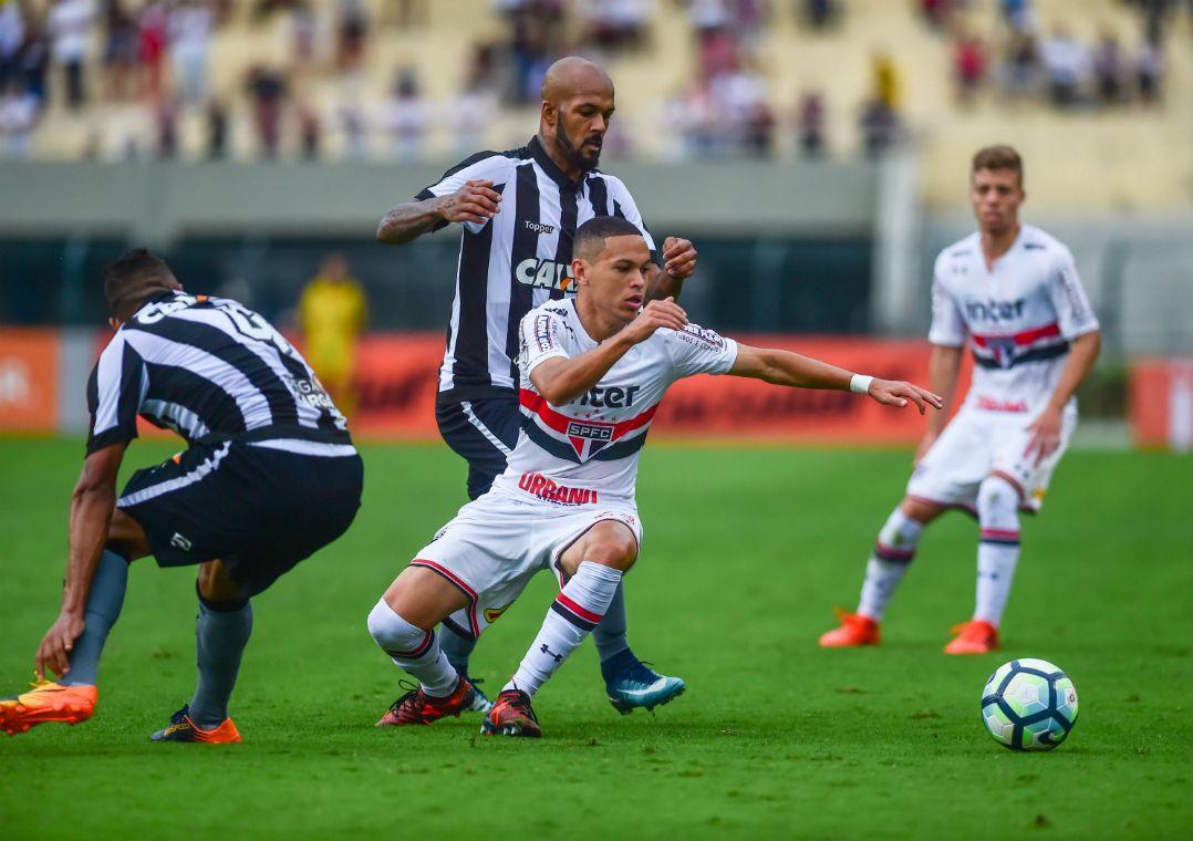 São Paulo e Botafogo empatam sem gols no Pacaembu