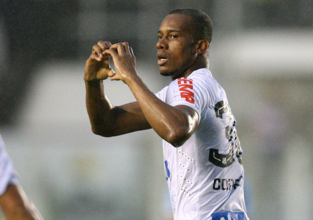 Santos vence o Grêmio e fica perto de vaga na Libertadores