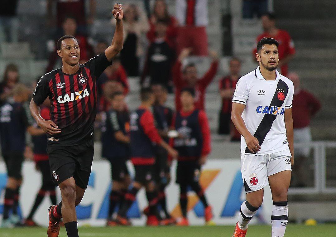 Vasco perde sequência invicta para Atlético-PR