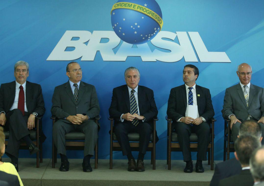 Temer quer frente anti-Lula nos ministérios