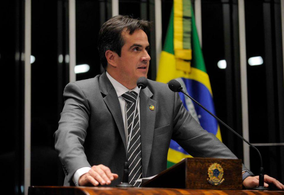 Mandetta diz que senador leu pergunta feita por ministro de Bolsonaro