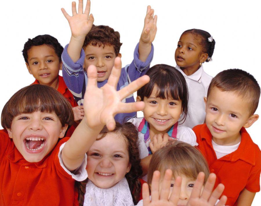 Vinte e seis crianças com idades de três a oito anos foram avaliadas pelos estudiosos
