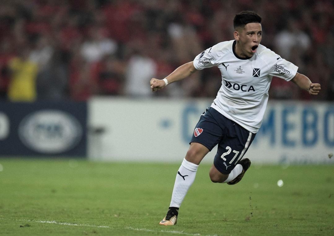 Independiente segura empate, cala Maracanã e é campeão