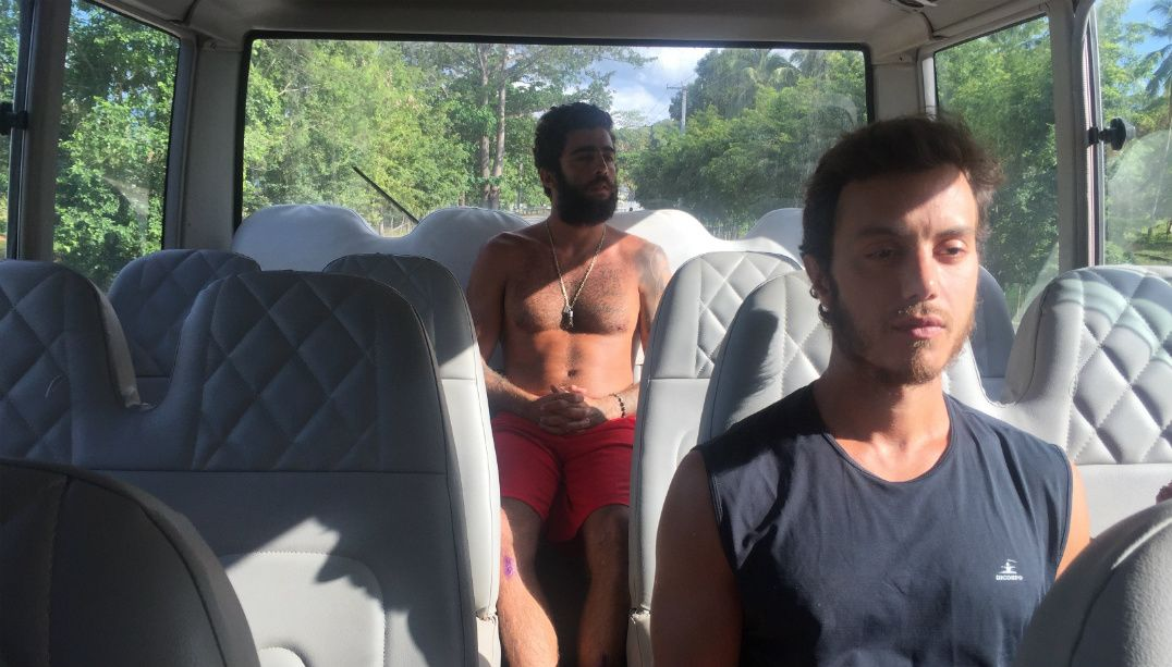 Scooby e Marcel no ônibus do Exathlon Brasil pela última vez