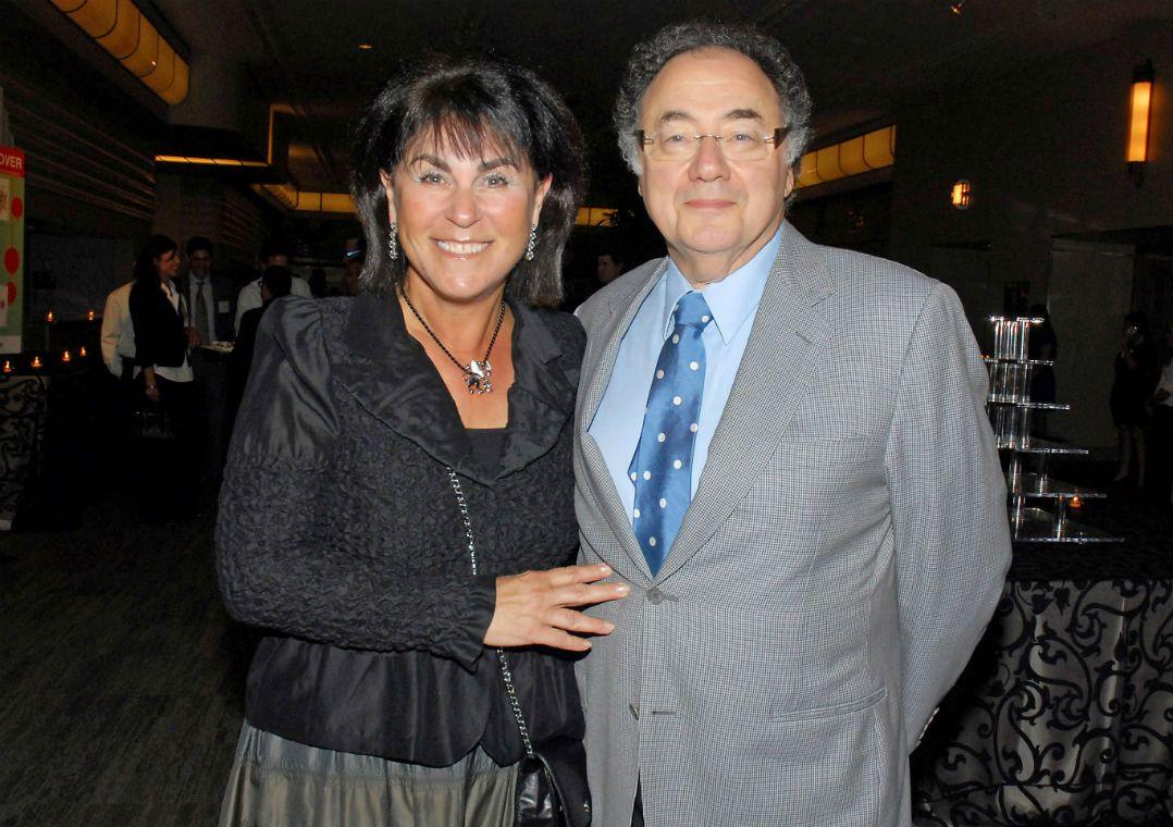 Bilionário Barry Sherman é achado morto em mansão no Canadá