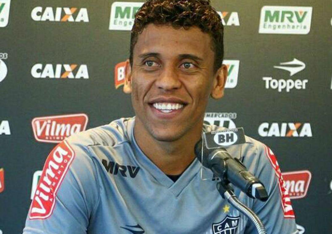 Marcos Rocha tem contrato com o Atlético-MG até o fim de 2018 (Foto   Reprodução Facebook) 2cca6efa93d8a