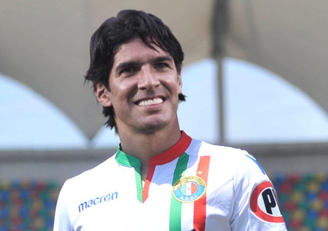 Audax Italiano será o 26º time da carreira de Loco Abreu (Foto  Reprodução) ec1e0d763a3ff