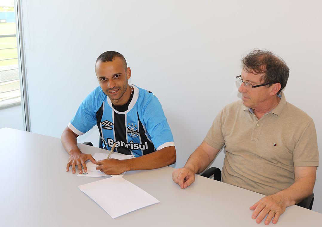Paulo Miranda chama Grêmio de Inter - Band.com.br 7db81a019cc9