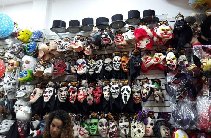 Máscaras são a aposta para o carnaval 2018 / (Foto: Natália Rodrigues)