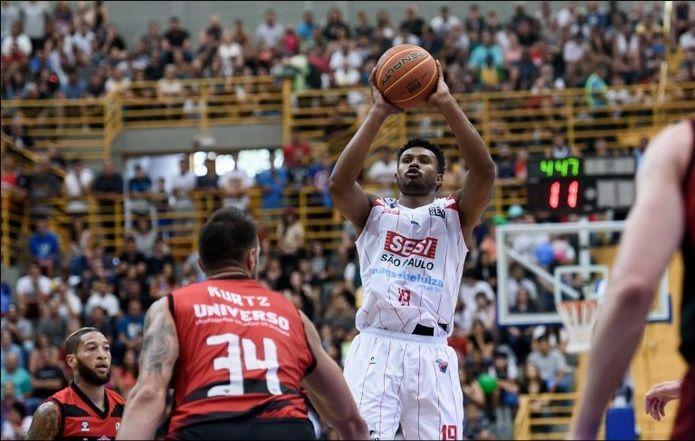 Leandrinho Barbosa joga no SESI Franca / Divulgação / NBB