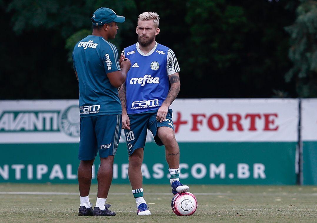 Roger Machado aposta em sucesso de Lucas Lima
