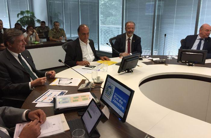 A reunião aconteceu com as portas fechadas. / (Foto: Leandro Abbade - TV Band)