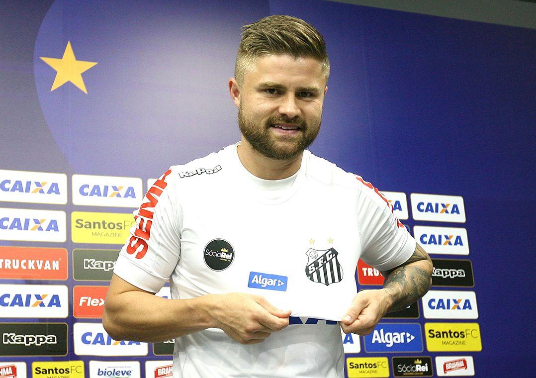 O Jogador se diz motivado para a nova etapa na carreira / Guilherme Dionízio/Estadão Conteúdo