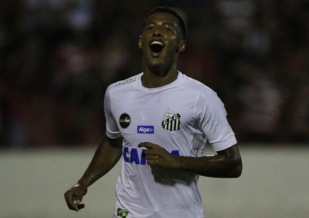 Santos acorda no 2º tempo e vence na estreia do Paulista