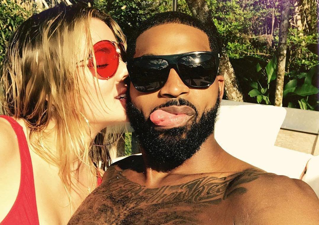 Khloé Kardashian diz como contou sobre gravidez para Thompson